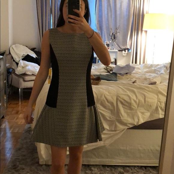 Alice + Olivia Dresses & Skirts - ⬜️ALICE + OLIVIA DRESS ◻️
